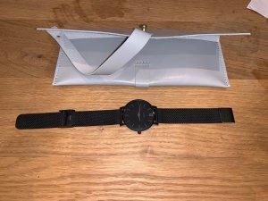 Uhr mit Metallband CLUSE neuwertig schwarz