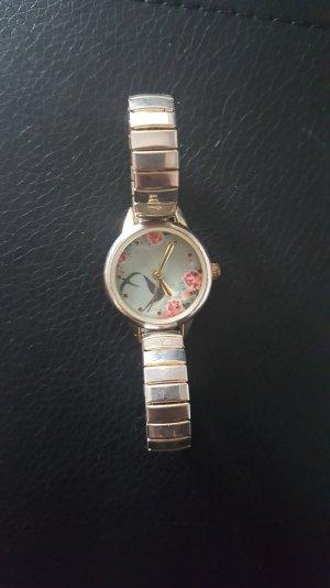 Uhr mit schönem Muster