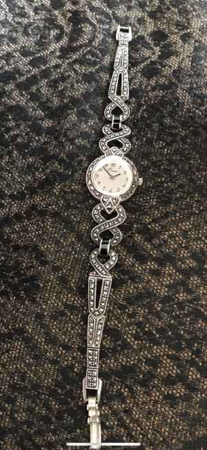 Vintage Watch With Metal Strap silver-colored-black