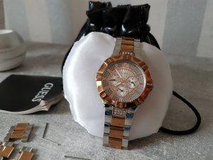Uhr von Guess Rosegold und Silber