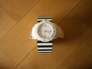 Uhr von Ice Watch in weiß