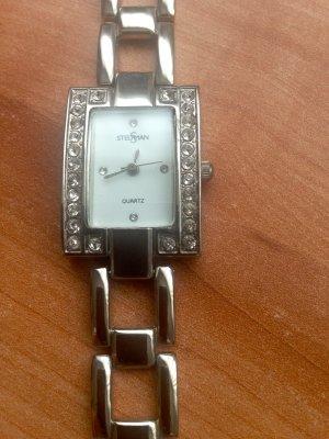 Horloge met metalen riempje zilver