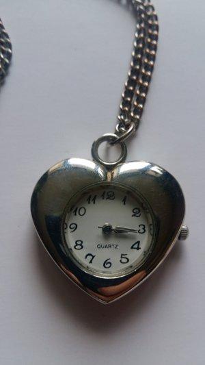 Uhrenkette in Herzform