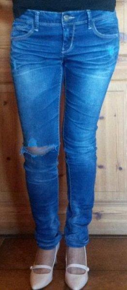 Ultra Low-Waist blue jeans
