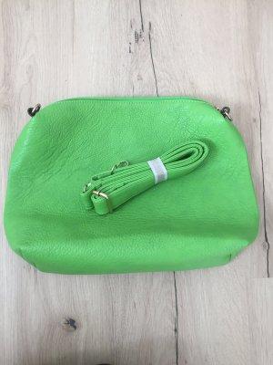 Umhängetasche in der Farbe grün
