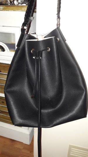 Umhängetasche mit kleiner Innentasche aus Kunstleder von H&M