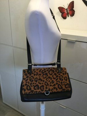 Umhängetasche von Zara mit Animalprint