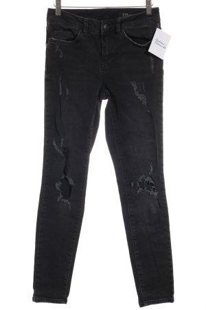 Un Jean Skinny Jeans anthrazit Boyfriend-Look