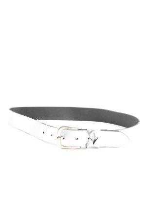 Cinturón de cadera color plata look casual