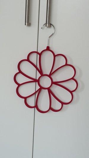 unbenutzter Kleiderbügel Blume in pink für Tücher und Schals