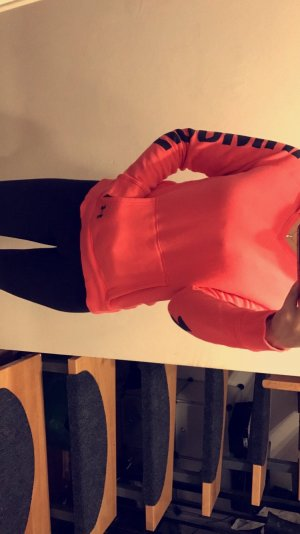 Under Armour Pullover M 25€