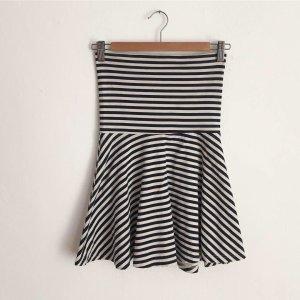 Underboob-Kleid