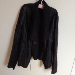 Unechte Lederjacke schwarz mit Wasserfall dünn