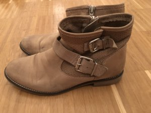 Tamaris Zipper Booties beige
