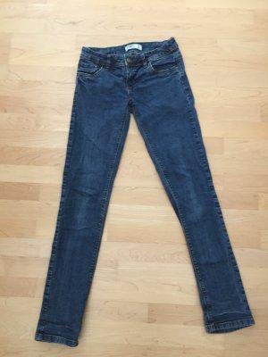 UNGETRAGEN | Blaue Jeans