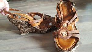 Sandales à talon haut brun