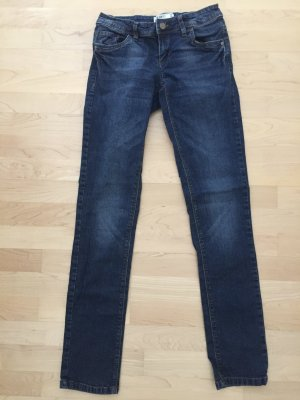 UNGETRAGEN | Dunkelblaue Jeans