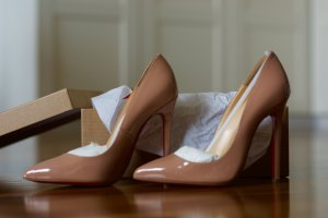Ungetragene Christian Louboutin Pigalle in Nude
