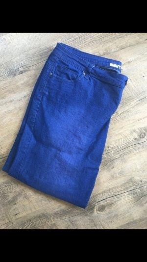 Ungetragene Denim Jeans