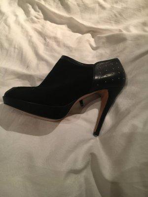 Ungetragene high Heels in schwarz mit Nieten von Balmain