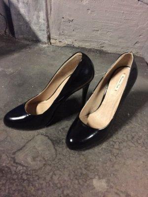 Ungetragene High Heels von Massimo Dutti