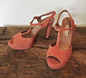 ungetragene lachsfarbene Sandalette, rauhes Leder, von VERO CUOIO