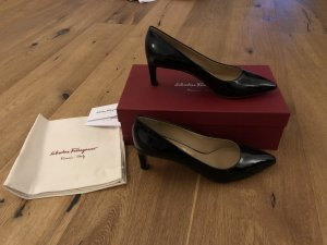 Ungetragene Lack Pumps in 38,5 von Salvatore Ferragamo