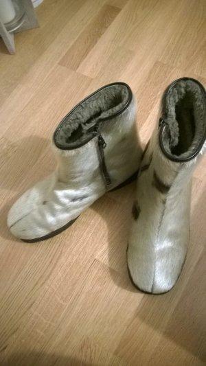 Ungetragene Luna Eskimod Naturfell Stiefel Boots Pelz Gr. 10 (44)