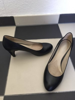 Ungetragene Naturalizer Pumps