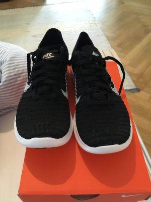 Nike Sneaker stringata nero