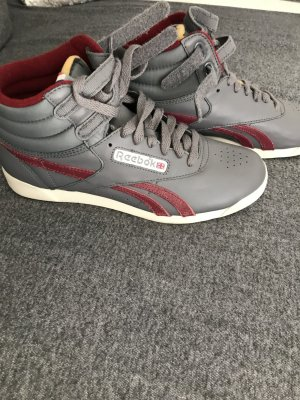 Ungetragene Reebok sneakers