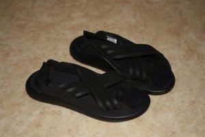 Ungetragene Sandalen von Y-3