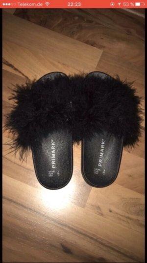 Zapatillas para casa negro Piel