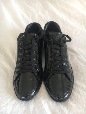 Ungetragene Sneaker von Prada, Größe 41 in schwarz