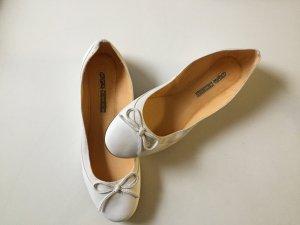 Ungetragene weiße Leder Ballerinas