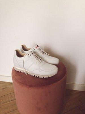 Ungetragene weiße Sneaker von Lloyd in Größe 38
