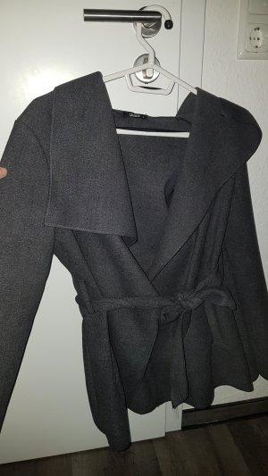 Gabardina tipo vestido gris oscuro