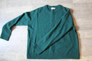 Ungetragener Wollpullover in smaragdgrün