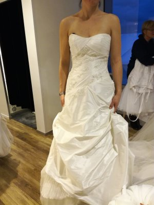 Pronovias Wedding Dress oatmeal