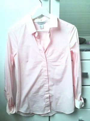 Ungetragenes Hemd