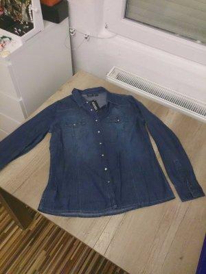 Ungetragenes Jeanshemd in blau