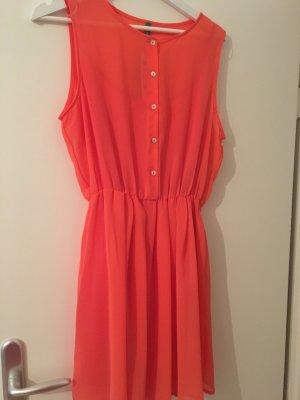 Ungetragenes Kleid von Benetton