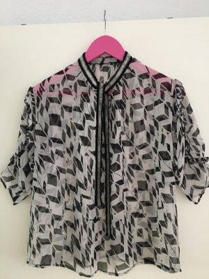 Ungewöhnliche Bluse von MANGO