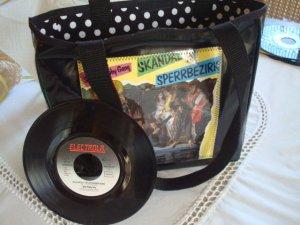 Unikat-Tasche mit Original Single - Skandal im Sperrbezirk