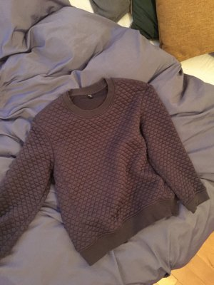 UNIQLO Cropped Sweater