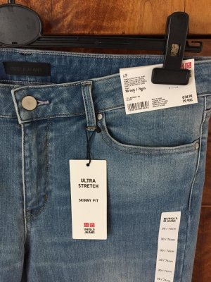 Uniqlo Pantalon 3/4 bleuet-bleu acier