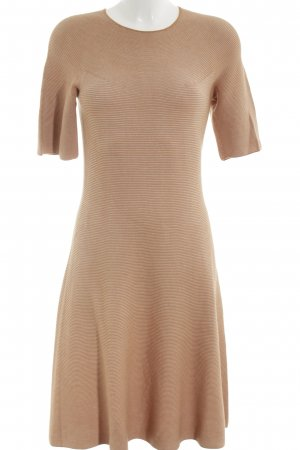 Uniqlo Kurzarmkleid nude Streifenmuster Business-Look