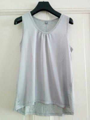 Uniqlo Top Shirt Oberteil Armfrei glänzender Stoff Silber Grau Gr. S / 36 wie neu