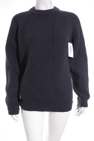 Uniqlo Wollpullover dunkelblau minimalistischer Stil