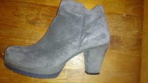 Unisa Ankle Boots fuer 39er Füsse